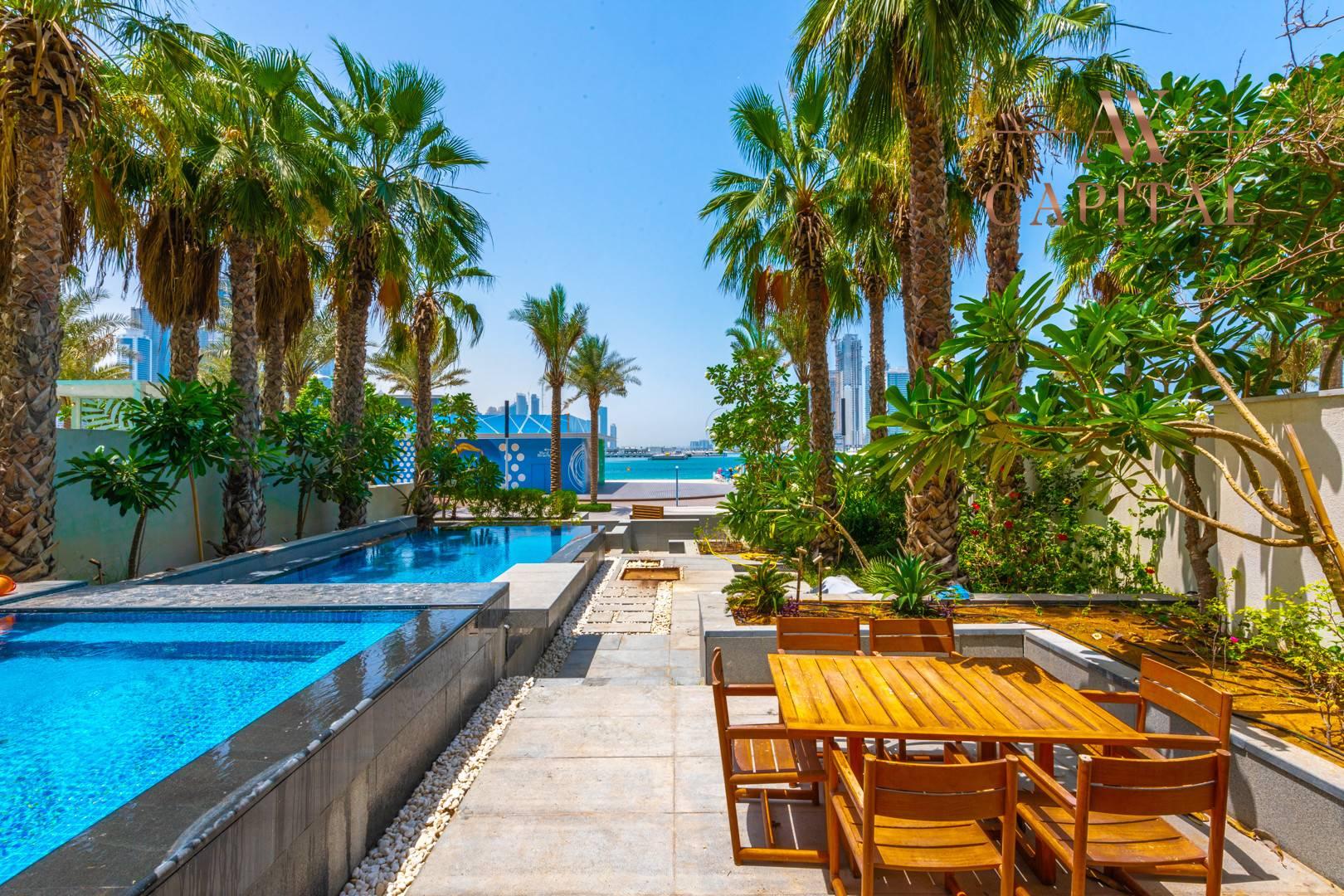 Villa, sale in Five Palm Dubai, UAE