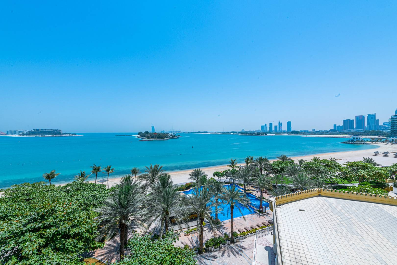 АРЕНДА в Shoreline Apartments-Дубай-ОАЭ