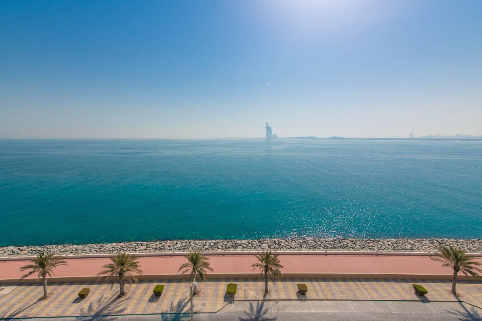 Beach Access | Panoramic Sea View