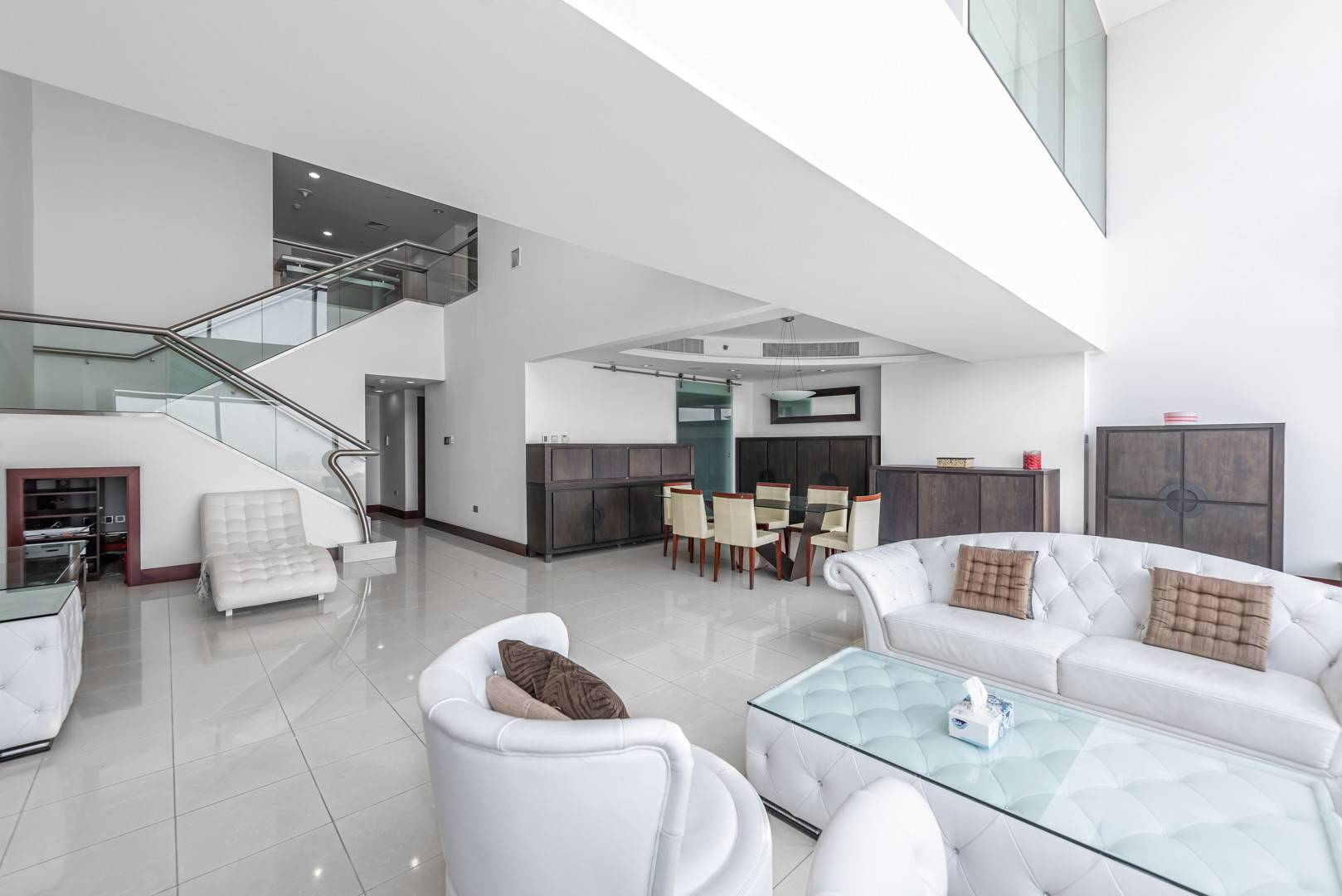 АРЕНДА в World Trade Centre Residence-Дубай-ОАЭ