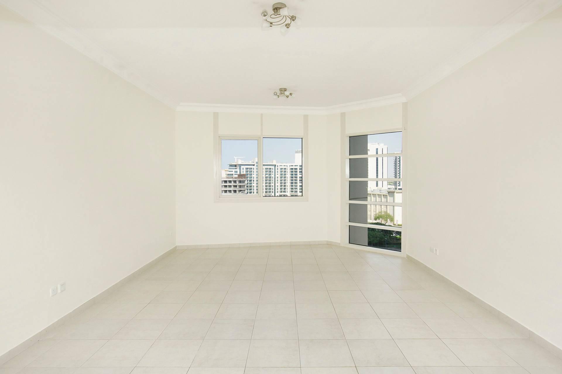 Апартаменты, Аренда в Lake Allure Дубай, ОАЭ