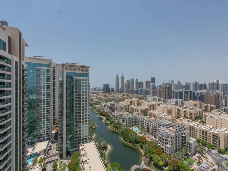 High Floor | 3 Bed Apartment | Golf & Lake View