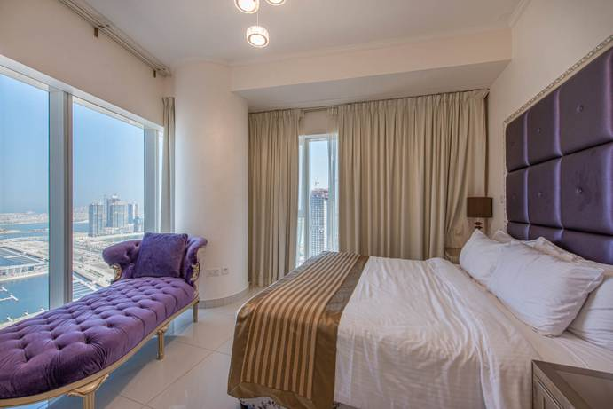RENT in Damac Heights-Dubai-UAE