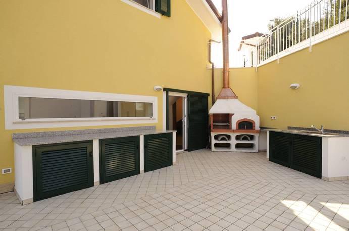 Продажа в Alassio-Алассио-Europe, Italy, Savona