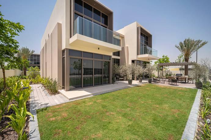SALE in Golf Place-Dubai-UAE