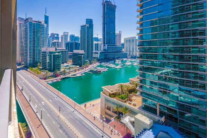 RENT in Marina Quays-Dubai-UAE