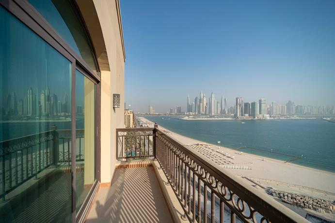 Продажа в The Fairmont Palm Residence North-Dubai-ОАЭ